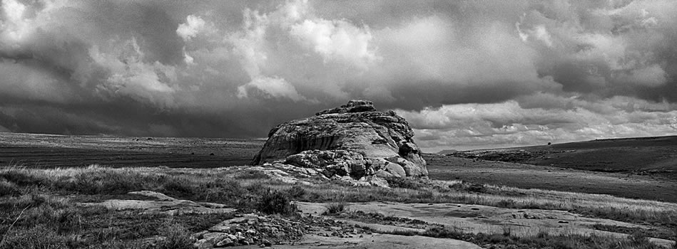 9. Sandstone in the Steppes, Meulplaas – Eastern Free State – 325 grams fiber fine art giclee archival print – 1/10